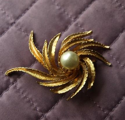 joan holloway gold brooch buy