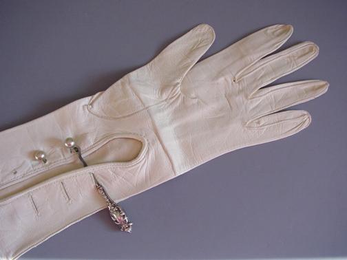 glove hook