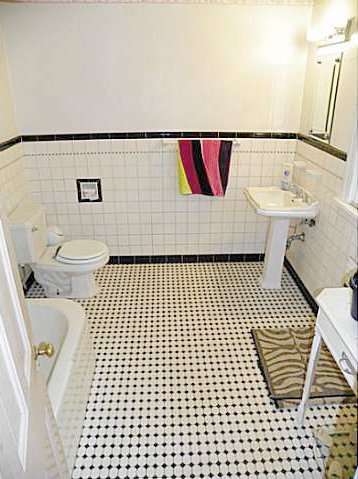 Black And White Retro Bathrooms retro black & white bathrooms | lost in austin