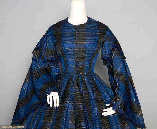 1850s-antebellum-dress